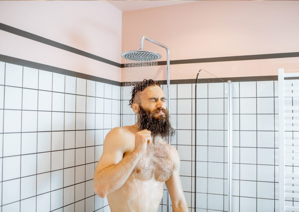 Douche froide routine matinale